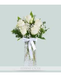 Sevginin Büyüsü 5 Beyaz Gül Aranjmanı