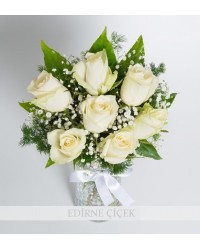 Zarif Sevgi 7 Beyaz Gül Çiçek Aranjmanı