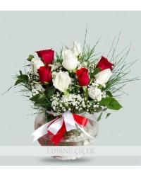 Aşk Kokusu Kırmızı ve Beyaz Güller