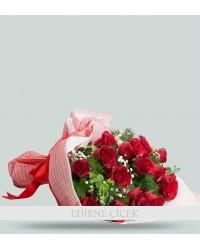 Romantik Büyü 15 Kırmızı Gül